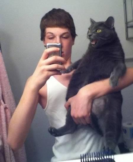 a98636_selfie_8-cat