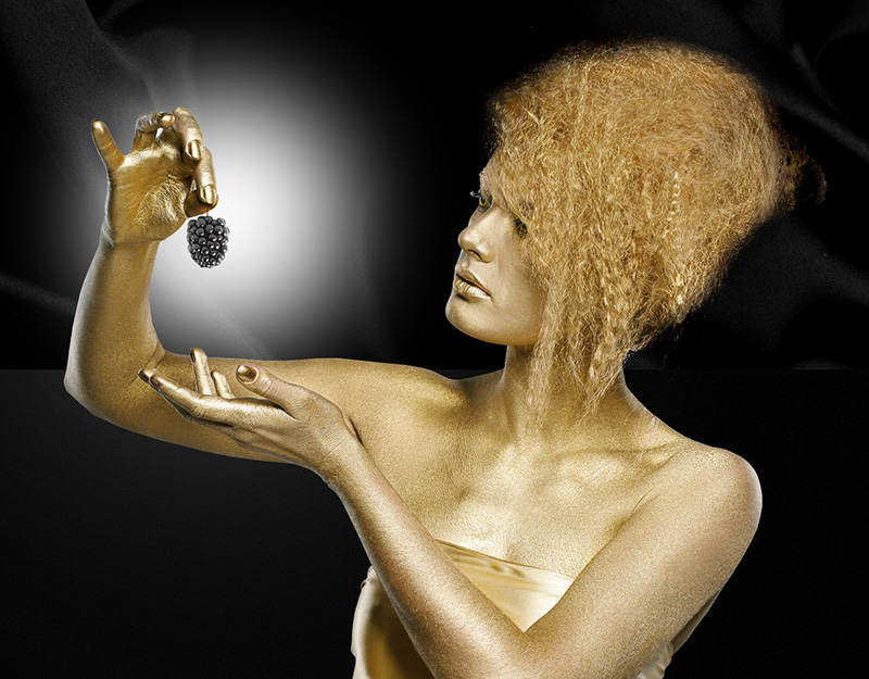 wtf- gold lady with  blackberry IIHIH