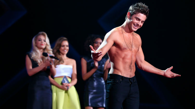 zac-efron-shirtless-mtv-movie-awards-rita-ora-jessica-alba-gi
