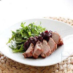 grillud-svinalund-med-blaberja-chutney