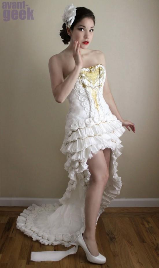 toilet-paper-dress4-550x926