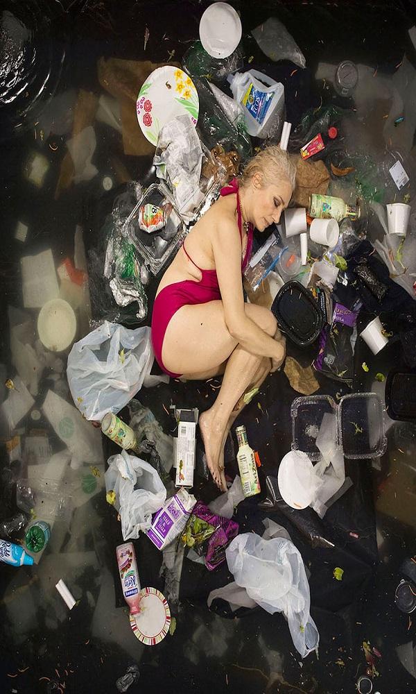 7-days-of-garbage-environmental-photography-gregg-segal-7