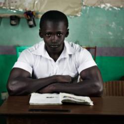 gambian.school.boy.640×431