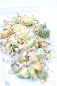 sumarlegt-og-orkumikid-salat (1)