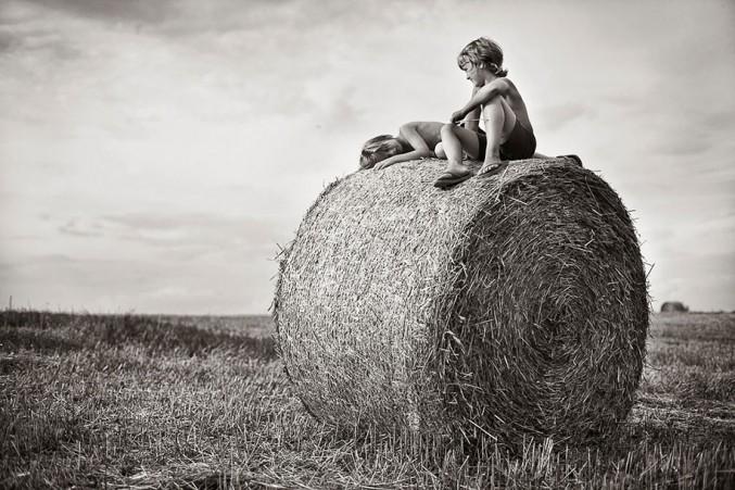 Mother-Children-Summers-In-Poland-14-677x451