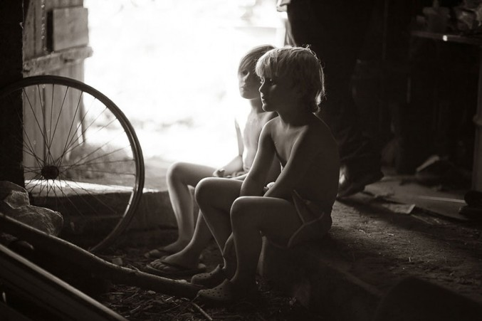 Mother-Children-Summers-In-Poland-15-677x451