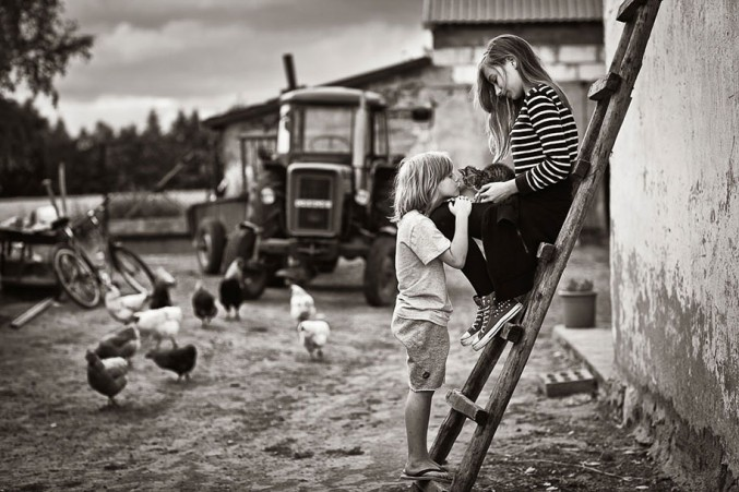 Mother-Children-Summers-In-Poland-21-677x451