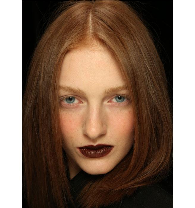 elle-freckles-model