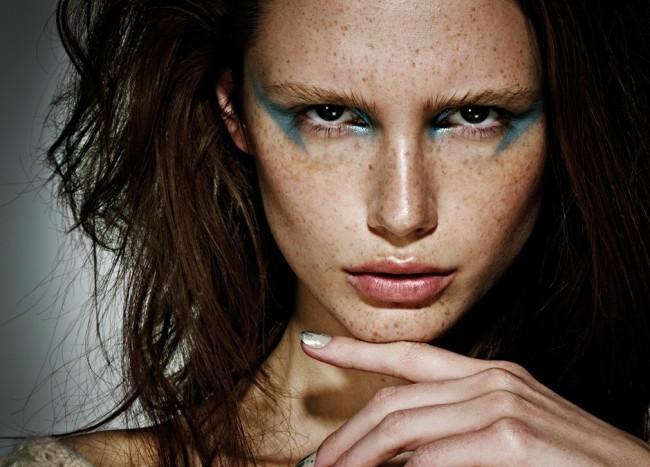 freckles-teal-makeup-650x467