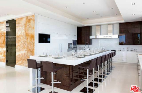 jay-z-beyonce-beverly-hills-home-inside-house-photos-0116-480w