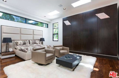 jay-z-beyonce-beverly-hills-home-inside-house-photos-0129-480w