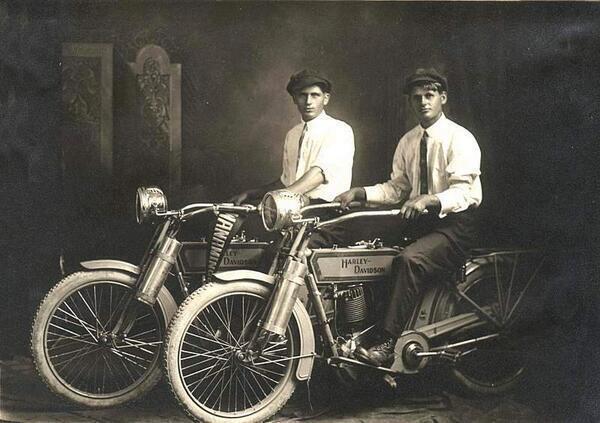 01-William-Harley-and-Arthur-Davidson-1914