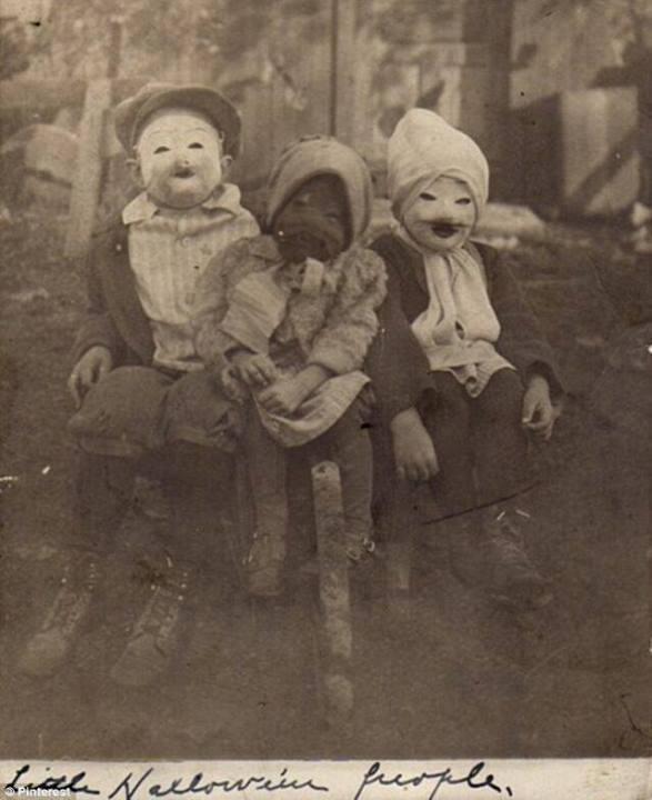 09-Halloween-1900