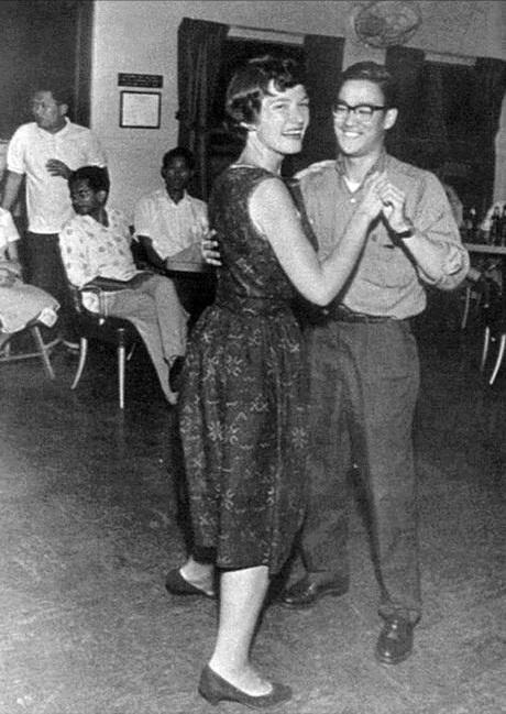 14-Bruce-Lee-on-a-dance-floor