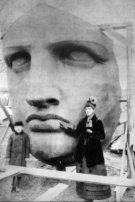 20-The-Statue-of-Liberty-before-being-sent-to-America