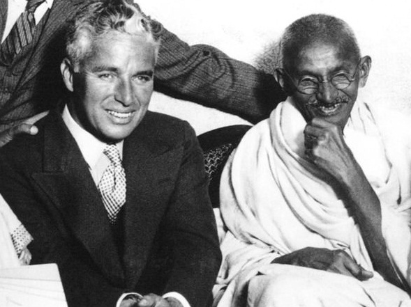 32-Charlie-Chaplin-and-Mahatma-Gandhi