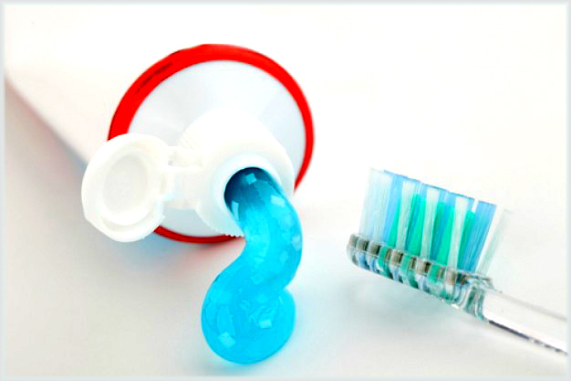 blue-toothpaste-2