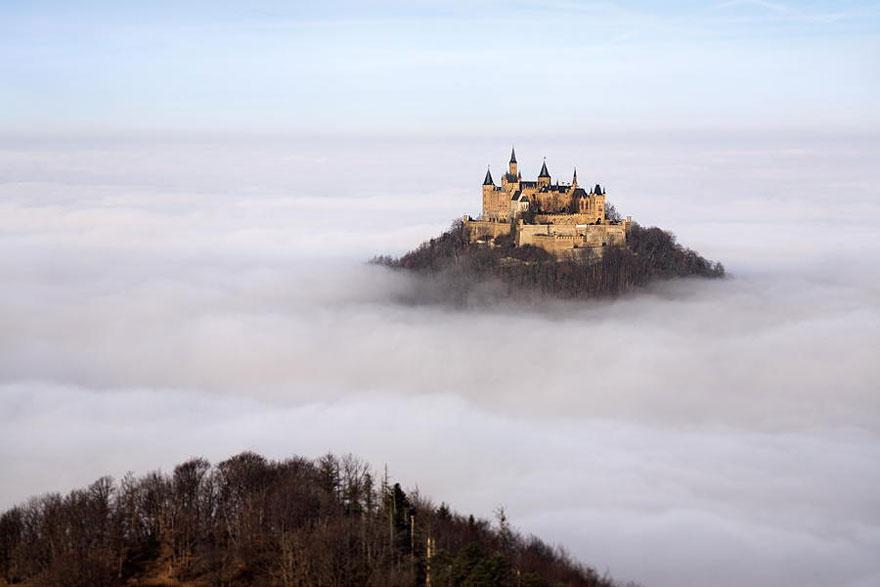 castle-in-mist__880