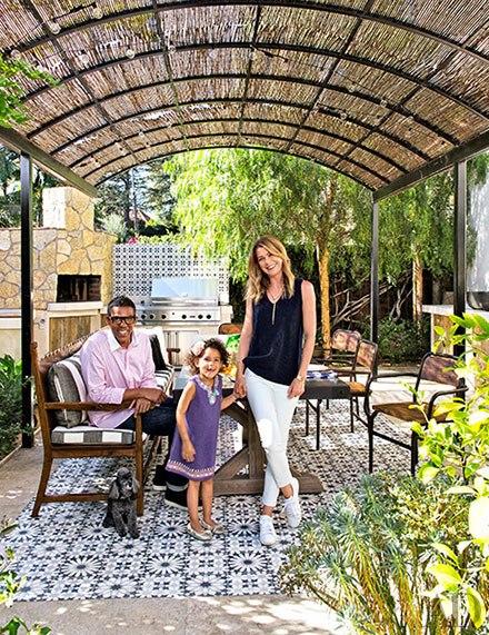 cn_image.size.ellen-pompeo-los-angeles-01-ellen-pompeo-and-family-v571