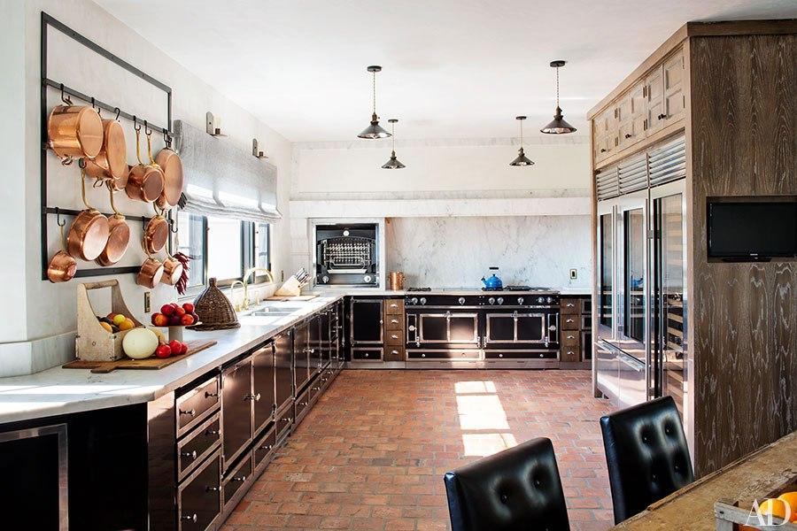 item4.rendition.slideshowHorizontal.ellen-pompeo-los-angeles-10-kitchen-after