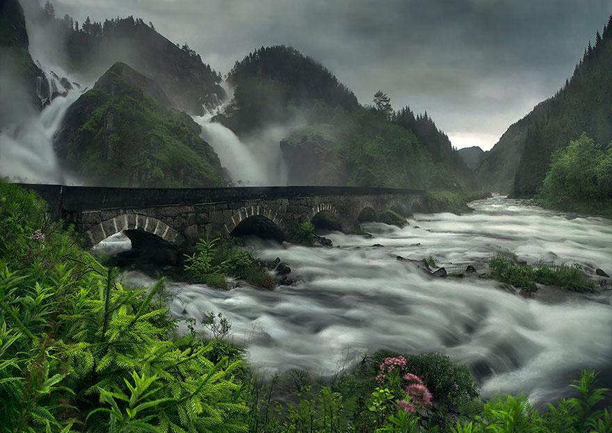 magical-bridge-3
