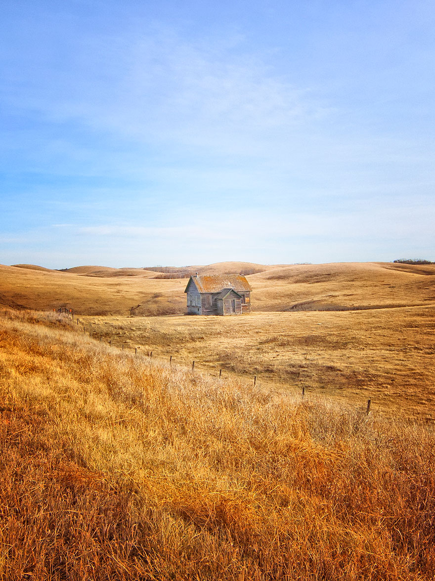 small-house-grand-nature-landscape-photography-6__880