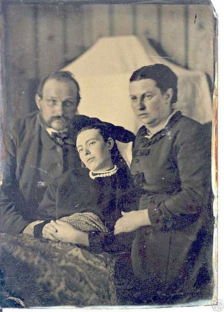 cool-post-mortem-photographs-family