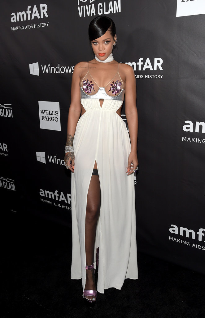 She-competed-most-revealing-ensemble-other-stars-red