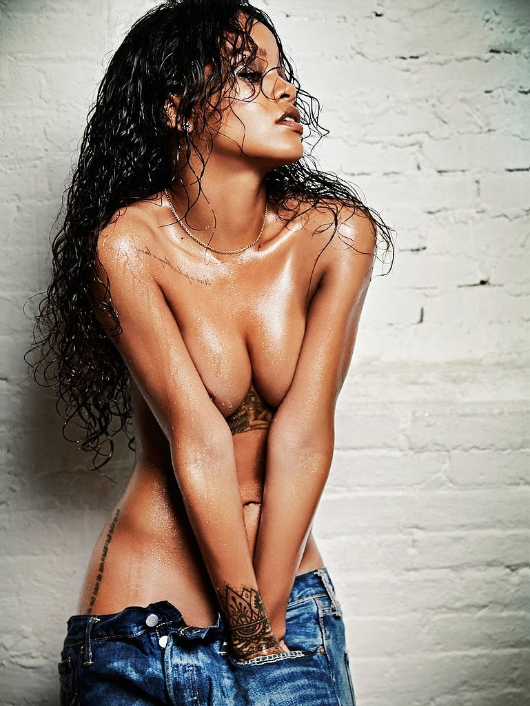 She-went-topless-her-photoshoot-Esquire