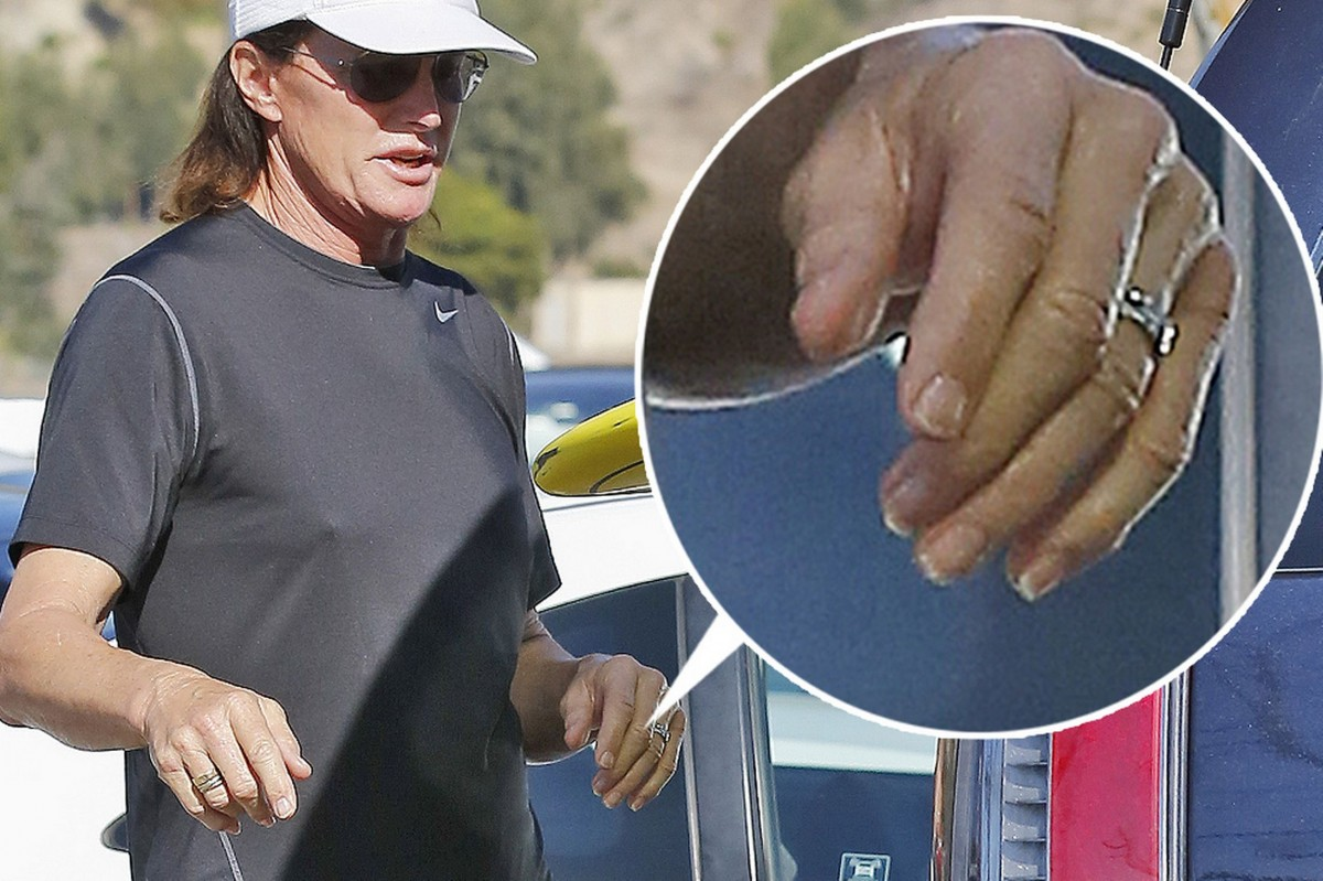Bruce-Jenner-stops-by-Becker-Surfboards-in-Malibu