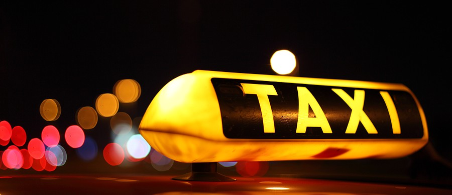 bigstock_Taxi_Sign_At_Night_22006559-900x390