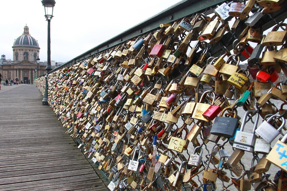 the-love-lock-bridge-2