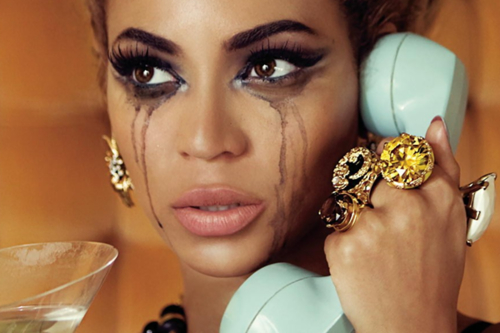beyonce-crying-sexy-telephone-makeup-fashion-jewellery-fake-eyelashes-big-eyes-annoying-liar-miming-anger-angry-bitch-hot