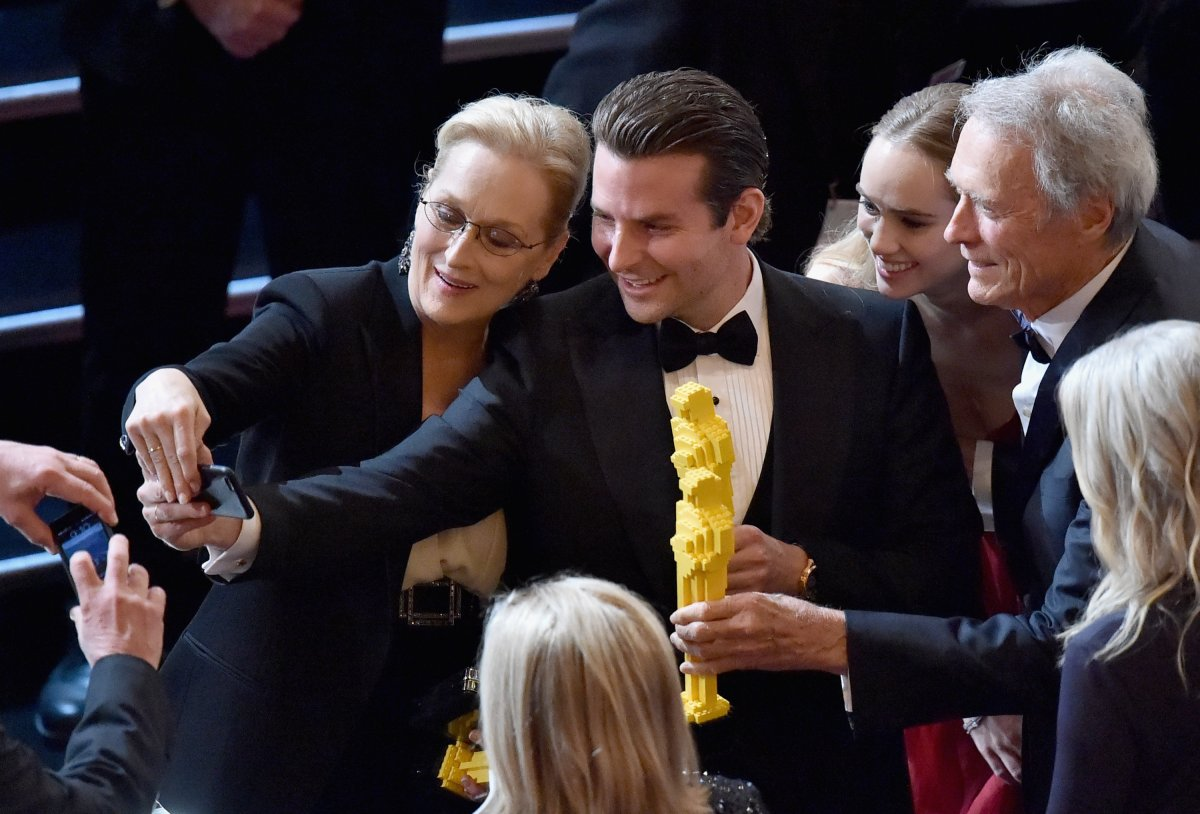 didnt-get-an-oscar-statue-no-problem-lego-had-an-answer-for-that