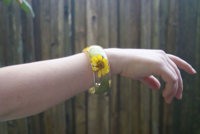 handmade-resin-flowers-bracelets-9