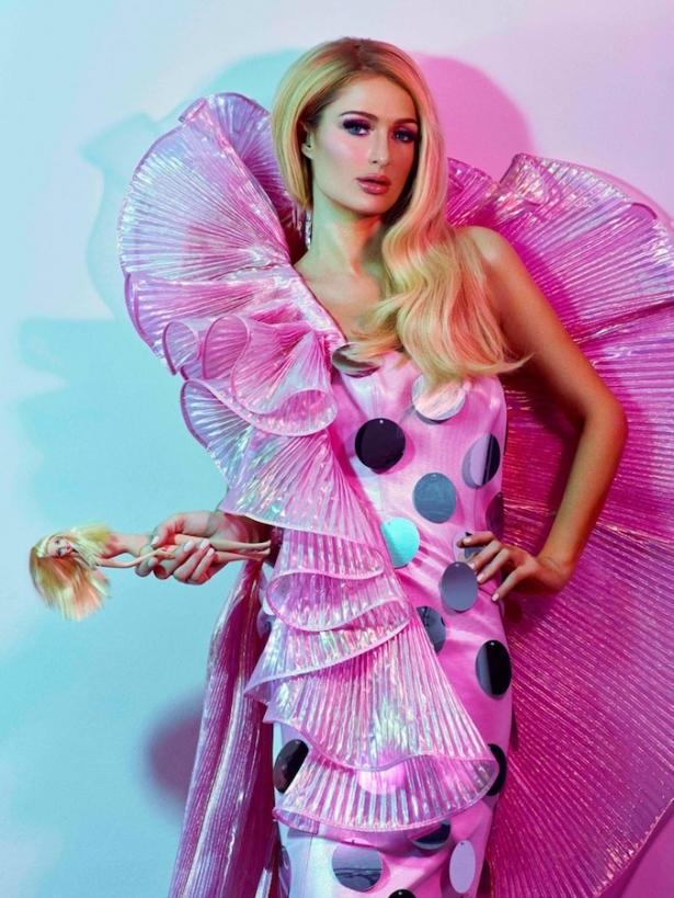 paris-hilton-odda-magazine-barbie-90s02