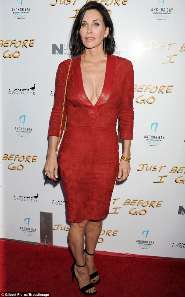 27CCBE3900000578-3048255-Cougar_The_Cougar_Town_star_turned_heads_wearing_a_body_hugging_-a-9_1429602267114