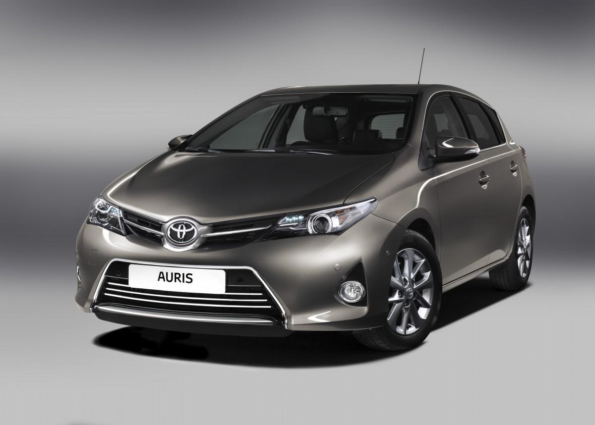 New_Toyota_Auris_02_2012