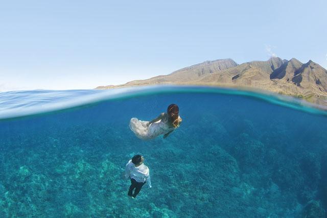 Underwater-Trash-Dress-Joelle-Perry-Gown-Maui-17