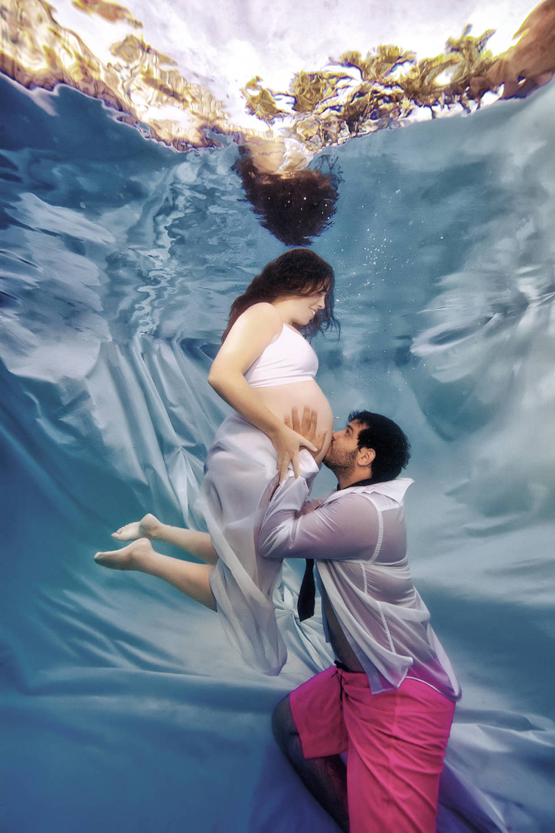 pregnant pictures under water