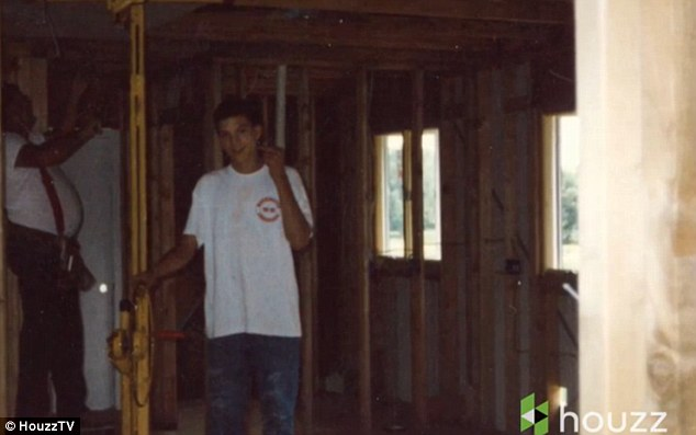 285D35FE00000578-3069347-Flashback_Ashton_is_seen_here_aged_13_helping_to_build_the_house-a-10_1430900424080