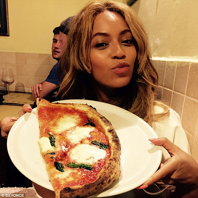 292892D400000578-3102177-Photo_album_Beyonce_recently_shared_food_snapshots_from_her_fami-m-46_1432893029719