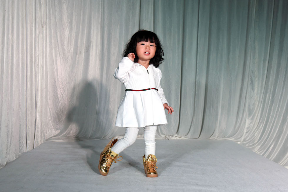 gallery-1430760897-gty-fashion-show-08-150504