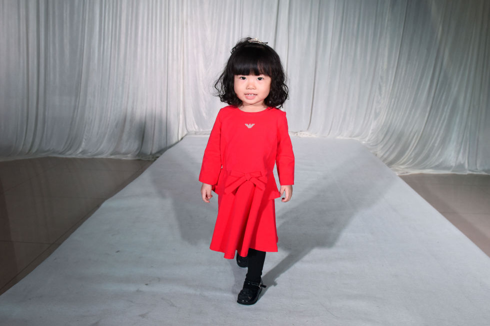 gallery-1430761083-gty-fashion-show-10-150504