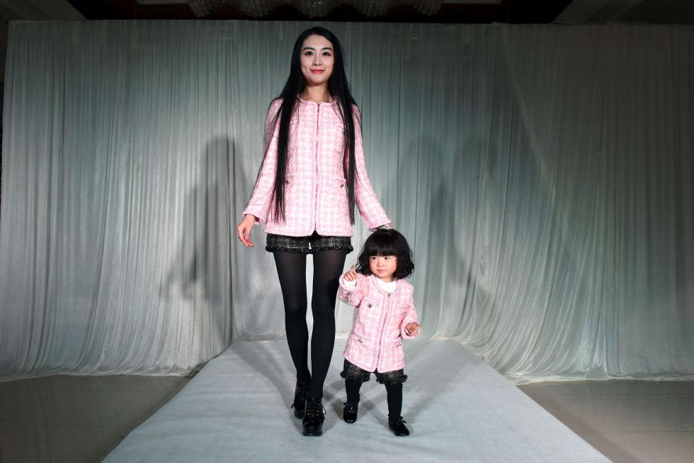gallery-1430761126-gty-fashion-show-11-150504