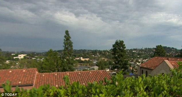 2A15FC0600000578-3143228-Location_The_convent_offers_stunning_views_of_Los_Angeles_above_-a-45_1435592200582