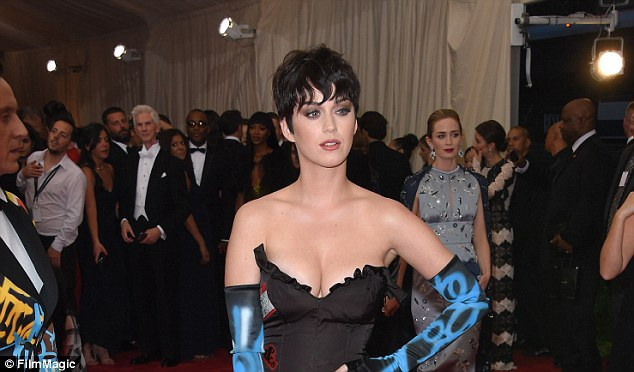 2A16626100000578-3143228-Feud_Katy_Perry_above_in_May_at_the_Met_Gala_is_about_to_head_to-a-50_1435592200591