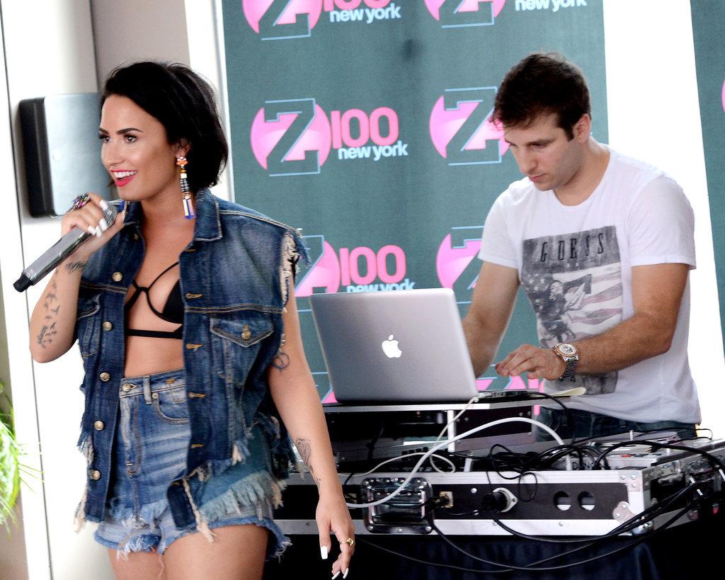 Demi-Lovato-Tiny-Bikini-Top (3)