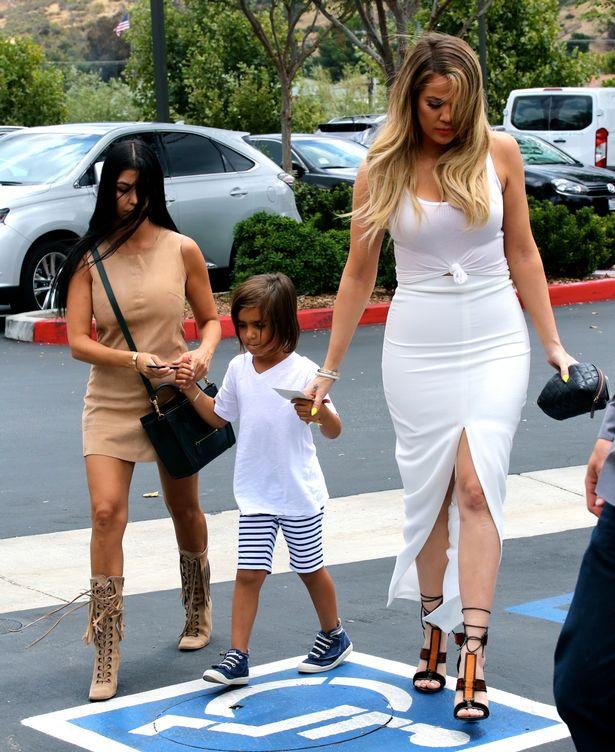 Kardashian-Khloe-Kardashian-and-Kris-Jenner-Mason