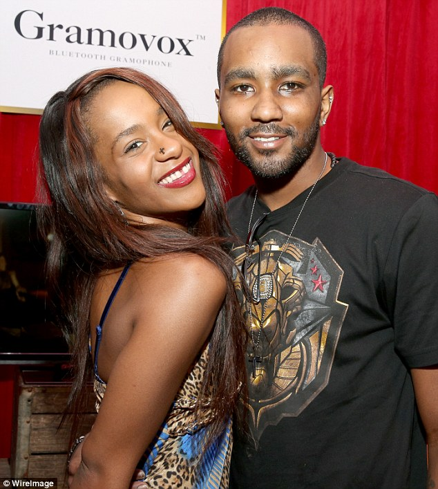 2B724F2B00000578-3211001-Tragic_Bobbi_Kristina_died_after_she_was_found_unconscious_in_a_-a-10_1440554573396